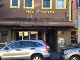 Un espace Landromat et café à San Francisco